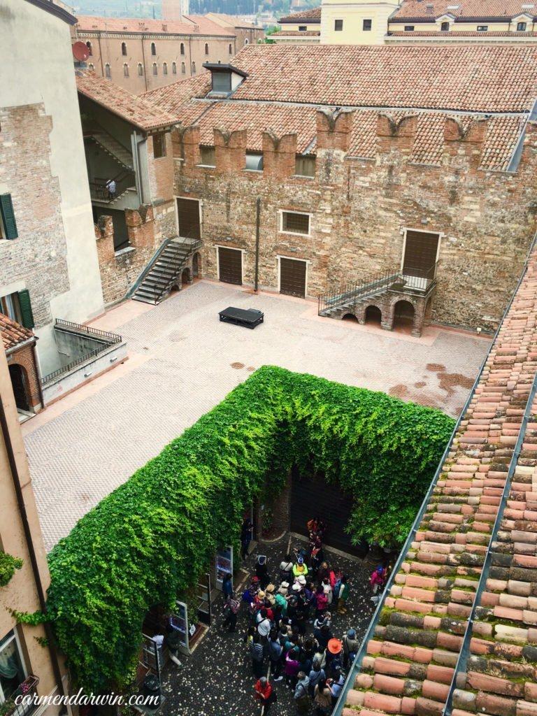 Verona  Balcone di Giulietta Courtyard